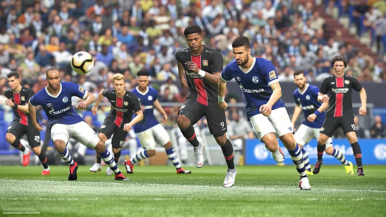 Le gameplay de Pro Evolution Soccer 2019 (PES 2019) a été considérablement amélioré pour offrir aux joueurs une expérience de jeu authentique et une vitesse de déplacement réaliste. Vous ...